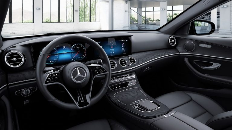 3-Spoke Multifunction Steering Wheel With Touch-Control Buttons